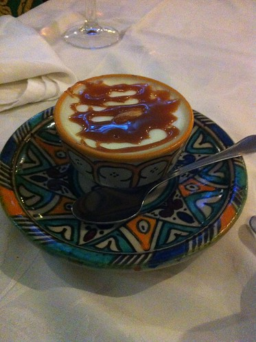 Valencia | Restaurante Balansiya | Mhalabiya de almendras al azahar con dulce de leche crocante