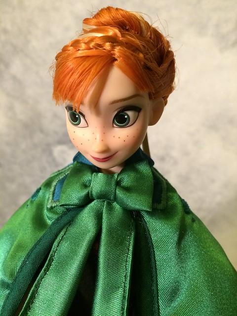 Anna Frozen Green Dress Cloak