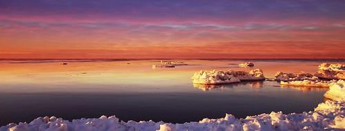 Sunrise over Ontario Lake..( Explored )
