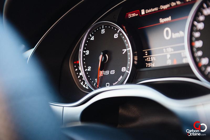 2014 Audi RS-6-15.jpg