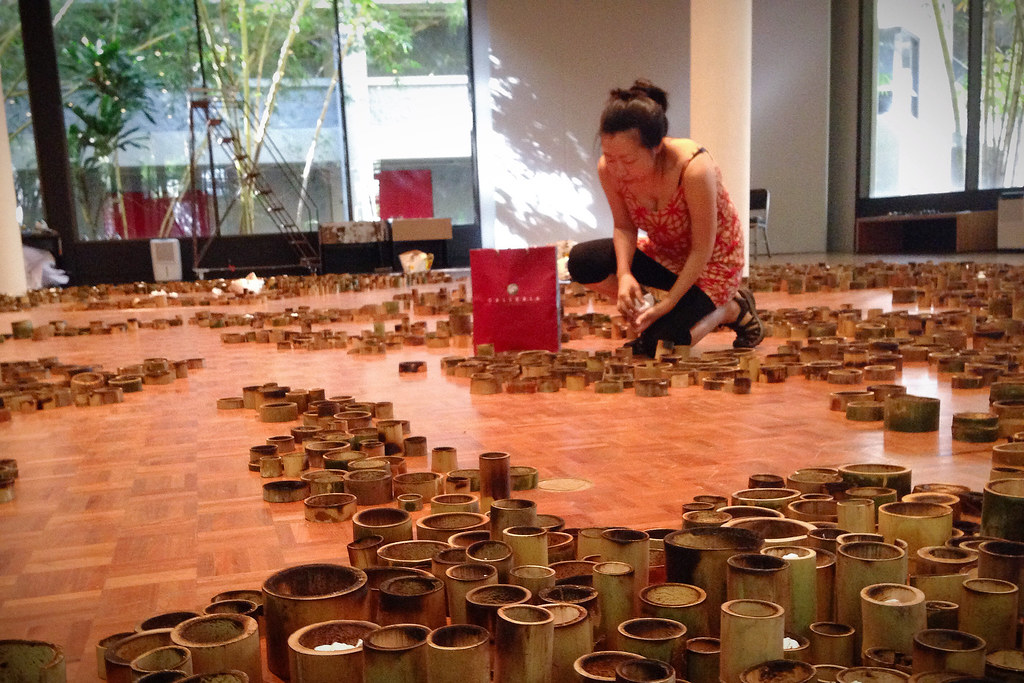 "<p>Yuan installation In progress: Born in Jilin, China, Beili Liu is a multidisciplinary artist whose works have been presented and recognized nationally and internationally. <br /> <a href=""http://www.hawaii.edu/calendar/uh/2014/03/09/21581.html?ed_id=28428"" rel=""nofollow"">www.hawaii.edu/calendar/uh/2014/03/09/21581.html?ed_id=28428</a></p>"