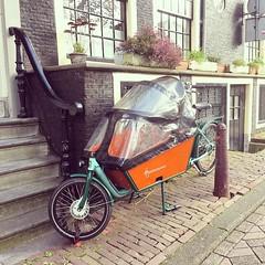 Bicicletta con cabina per il passeggero a Amsterdam
