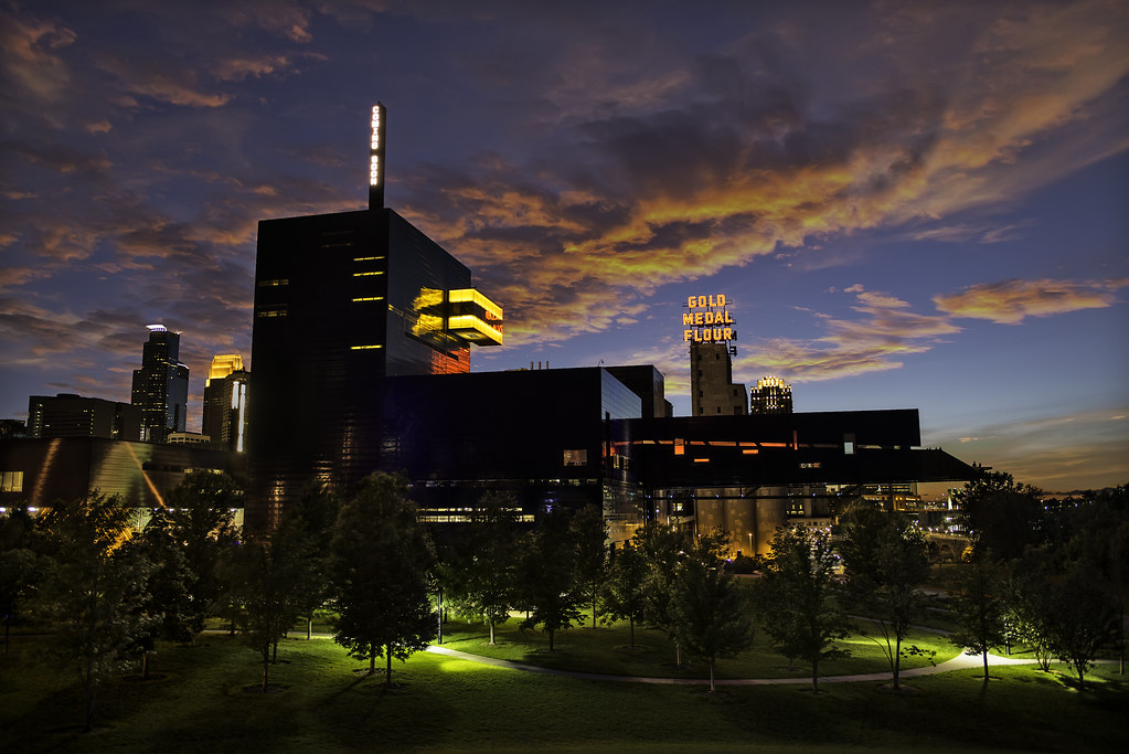 guthrie theater - downtown minneapolis, minnesota