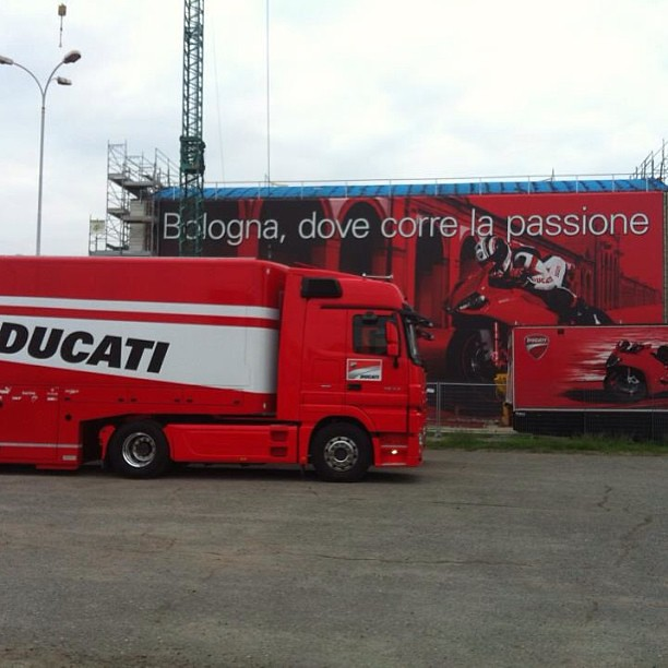 @lucianomaccarinelli #hospitality #race #race support #mobile shops #motorhome #motorhomelife #special equipments #carrozzeria industriale #allestimenti speciali #autonegozi #autonegozio ambulante