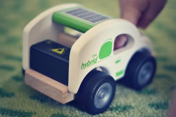 Hybrid_wooden_car