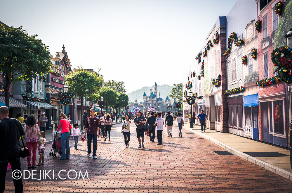 HKDL - Main Street USA Christmas Town - Overview