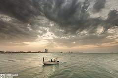 Kuwait - Watya  Beach - The Light Of Hope Over The Boat