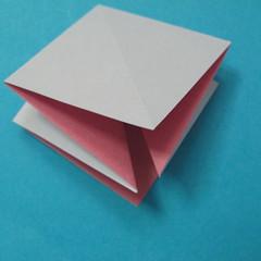 วิธีการพับกระดาษเป็นดอกไม้แปดกลีบ 004