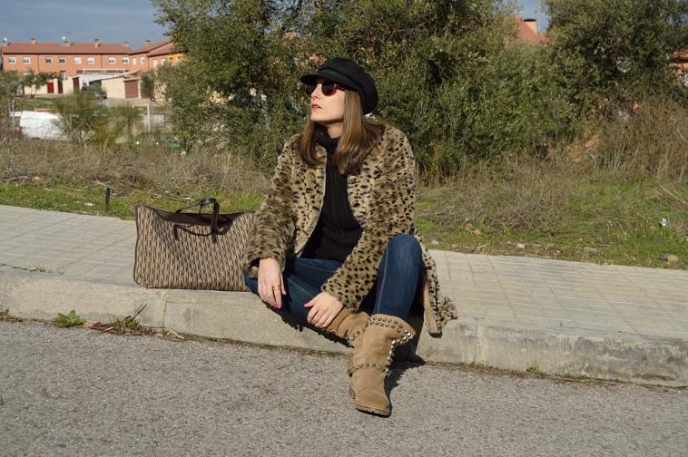 lara-vazquez-madlula-leopard-coat-fashion-blogger