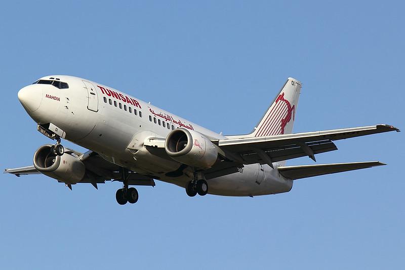 Tunisair - B735 - TS-IOI
