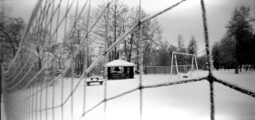 pinhole net snow winter lochkamera