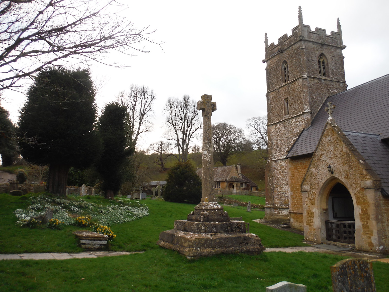 St. Leonhard's, Pitcombe SWC Walk 284 Bruton Circular (via Hauser & Wirth Somerset) or from Castle Cary