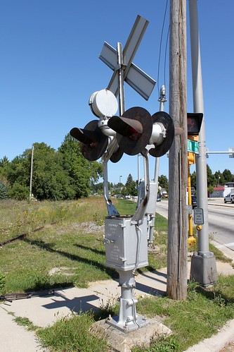 railroad railway railfan abandoned outofservice railroadcrossing gradecrossing signal griswold griswoldsignal