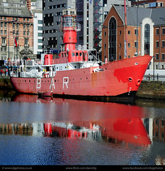 UK - Liverpool - Docked ship sq