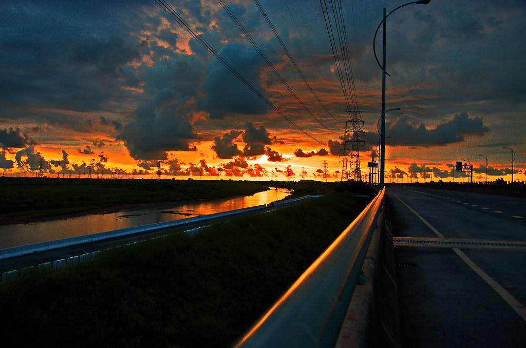 夕陽山外山