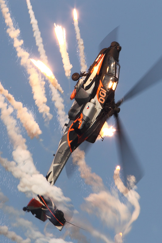 Dutch apache demo shooting flares by nustyr airteamimages on flickr