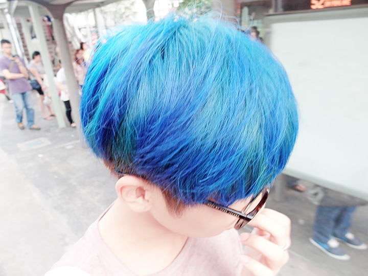 blue hair turquoise colour