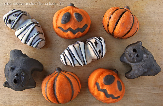 Halloween mini cakes