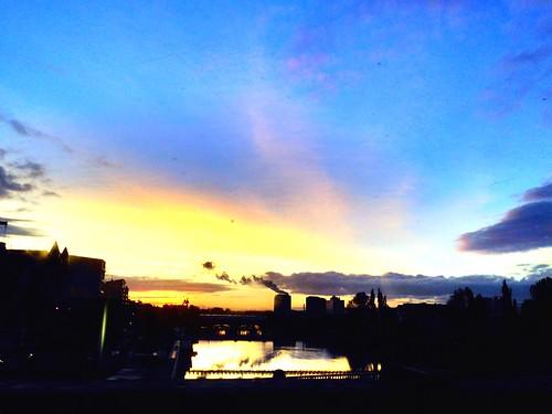 glasgowbridge uploaded:by=flickrmobile colorvibefilter flickriosapp:filter=colorvibe
