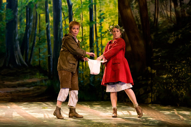 Angelika Kirchschlager as Hansel and Diana Damrau as Gretel in Hänsel und Gretel © Bill Cooper