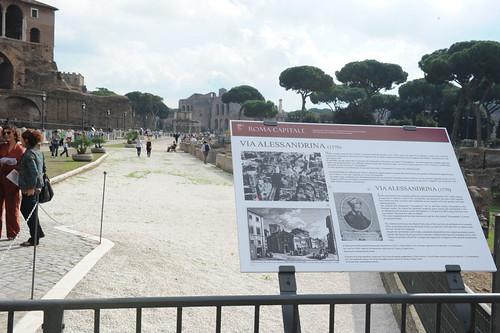 """ROMA ARCHEOLOGIA: """"STORIA DI VIA ALESSANDRINA E DEGLI SCAVI DEI FORI IMPERIALI,"""" Comune di Roma & La Repubblica & 'MARINO SINDACO - ROMA`VITA, Rome (10/2013). (31-28/10/2013)."""