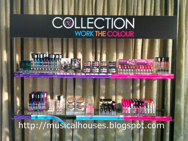 Collection Cosmetics Stand