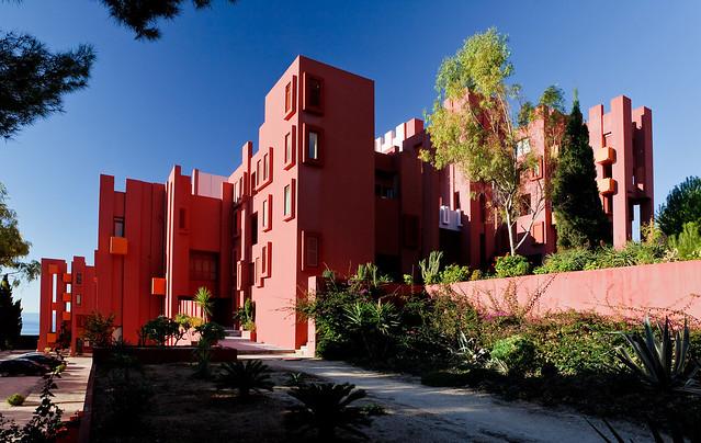 Muralla_Roja_Calpe_Spain_Ricardo_Bofill_Taller_Arquitectura_03