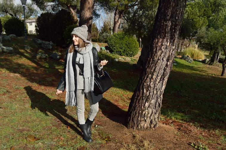 lara-vazquez-madlula-casual-look-fashion-blogger-grey-tones