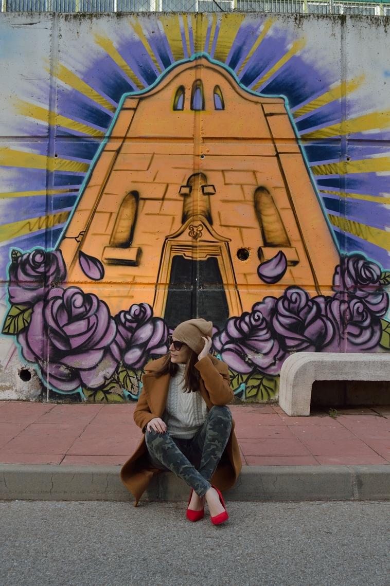lara-vazquez-madlula-brown-coat-red-heels-fashion-blogger-brown-coat