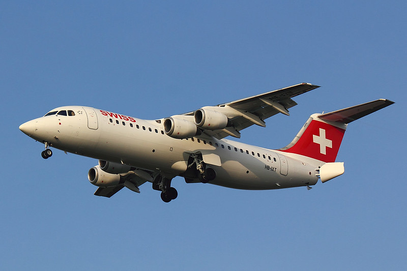 Swiss - RJ100 - HB-IXT (2)