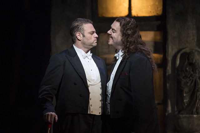 Joseph Calleja as Faust and Bryn Terfel as Méphistophélès in Faust, The Royal Opera, © ROH / Bill Cooper 2014