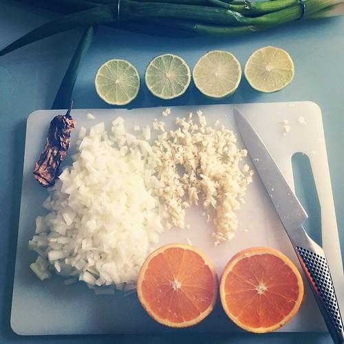 Salladslök, chipotle, lök, vitlök, lime och apelsin. #vadveganeräter