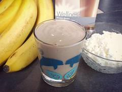 Чаще всего для нас #завтрак начинается со свежих фруктов, смузи или это #Wellness-завтрак с которым мы частенько экспериментиреум! Не пьем молоко вообще, но употребляем изредка кисло-молочные продукты, обычно мы делаем смузи с бананами, яблоками и коктейл
