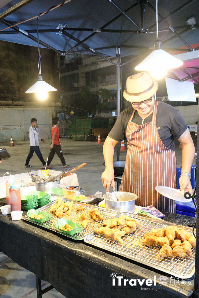 曼谷城中霓虹夜市 Talad Neon Downtown Night Market (21)