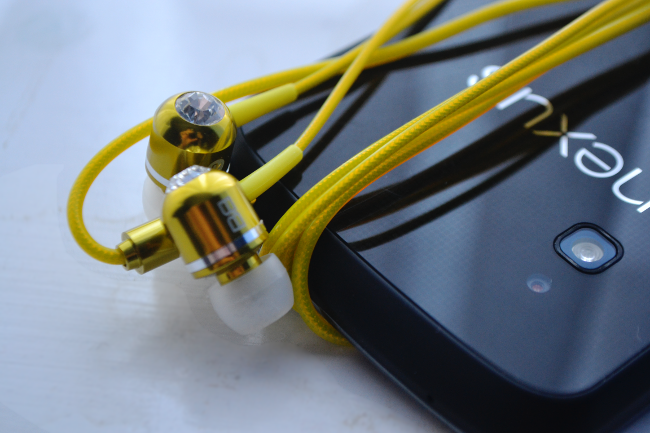 Daisybutter - UK Style and Fashion Blog: bassbuds review, music, technology