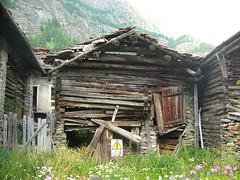 Lillaz di Cogne (AO) - Casa pericolante