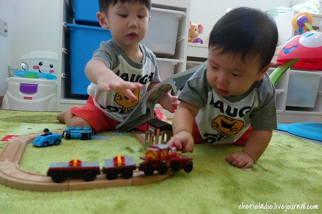 jerry & jerome with train set