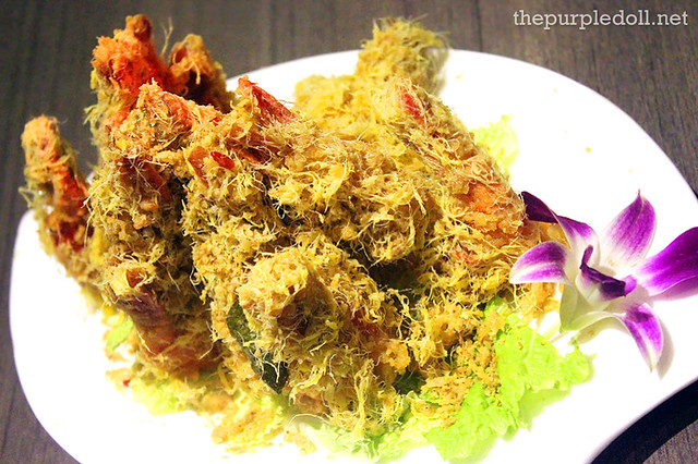 Crispy Cereal Prawn (Regular P375; Large P655)