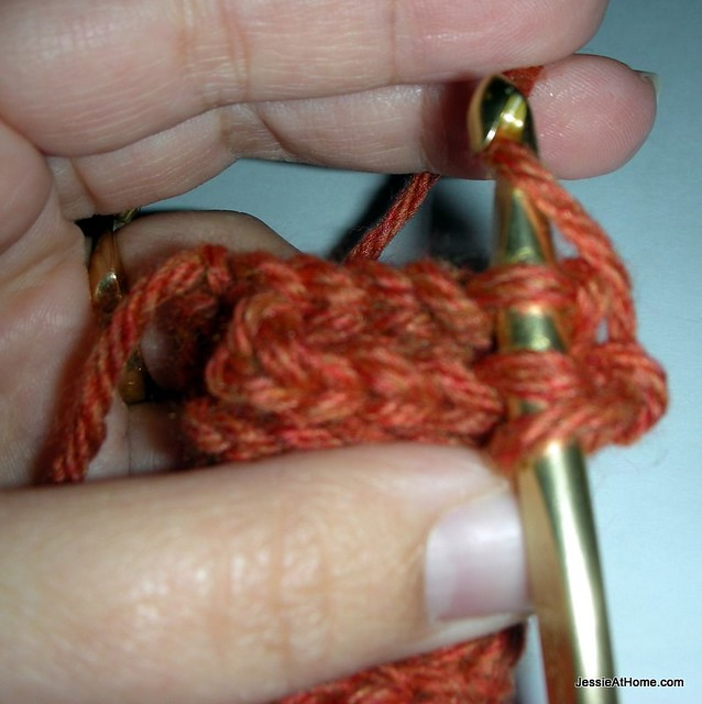 Quick-Scrap-Slip-Stitch-Bracelet-finishing
