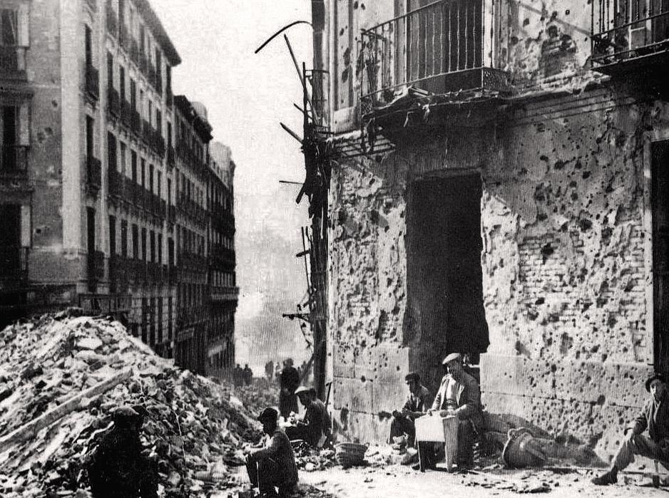 5. Madrid, 1938. Efectos de los bombardeos. Autor, Druidabruxux