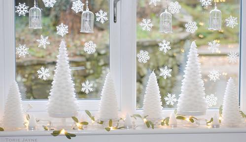Christmas tree candles & mistletoe lights wm