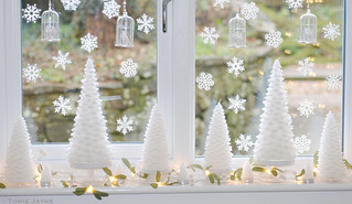Christmas tree candles & mistletoe lights wm