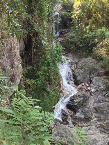 Huay Kaew Waterfall is the victim of it's close proximity to Chiang Mai: overcrowded