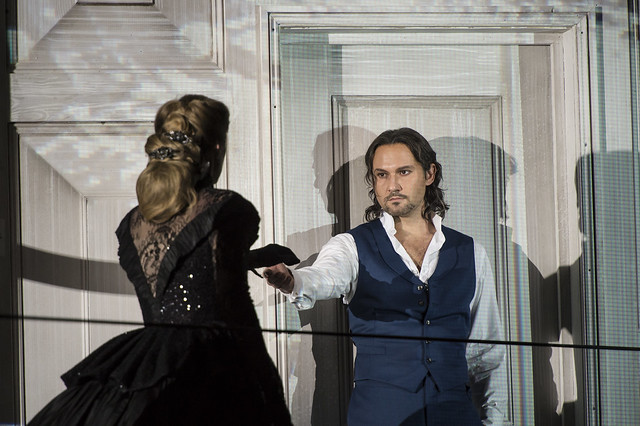 Malin Byström as Donna Anna and Mariusz Kwiecien as Don Giovanni in Don Giovanni © ROH / Bill Cooper 2014