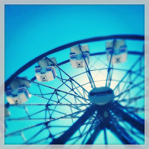 Ferris Wheel (40/365) by elawgrrl