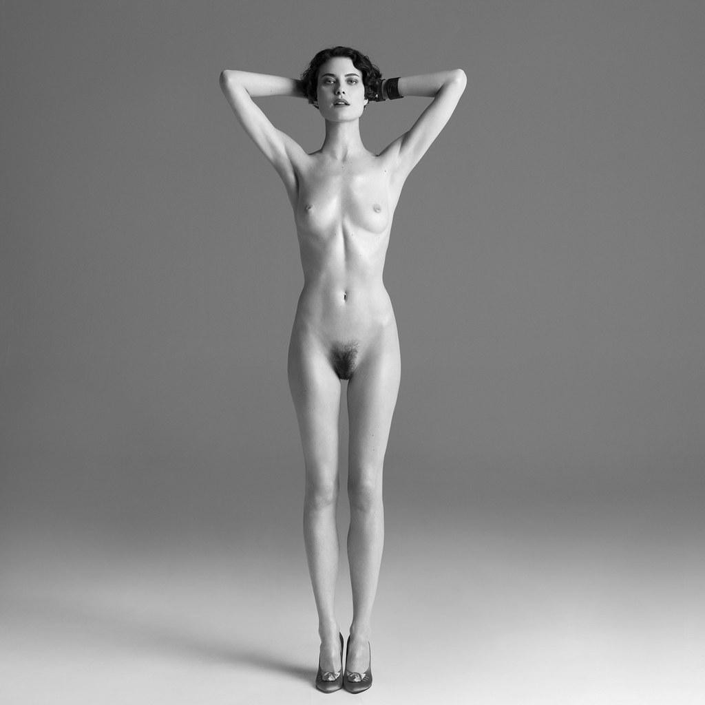 Фото голых женщин в полный рост 21 фотография