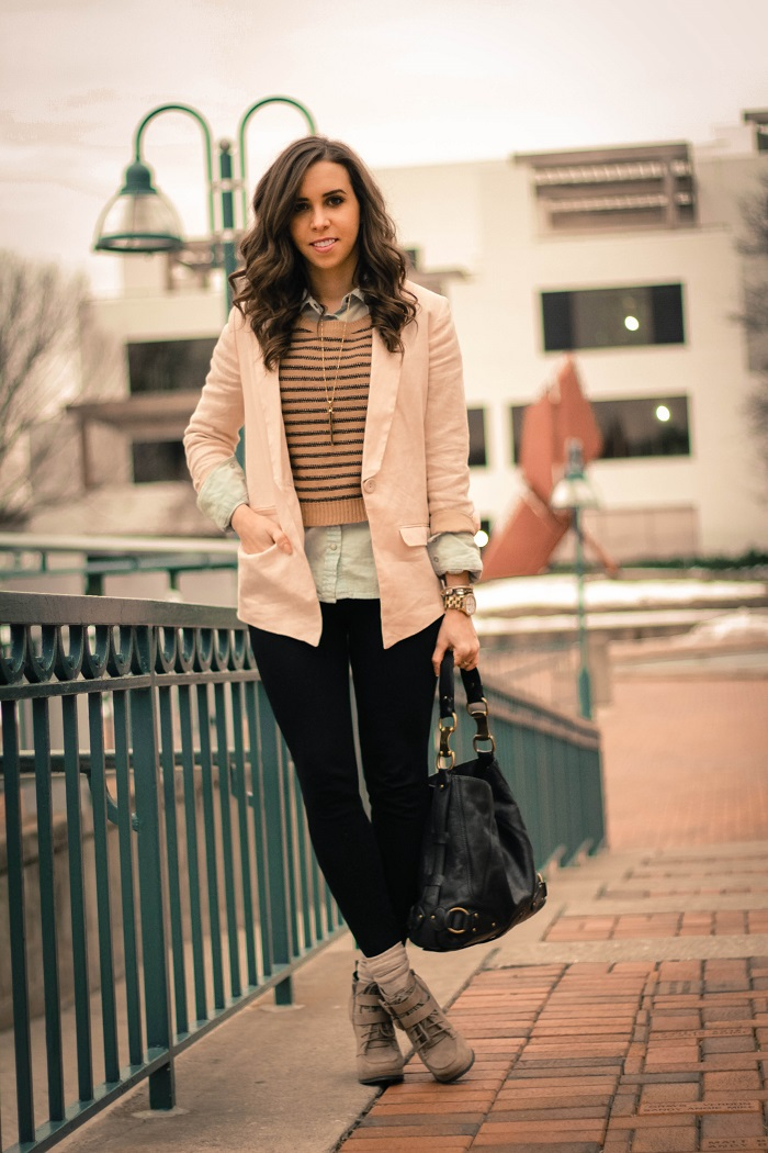 va darling. dc blogger. virginia personal style blogger. casual outfit. linen blush blazer. black pants. heeled booties. cropped striped sweater layered over chambray. 2