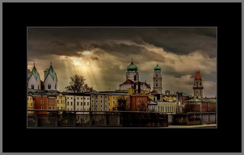 Dunkle Wolken über Passau (Dark clouds over Passau)