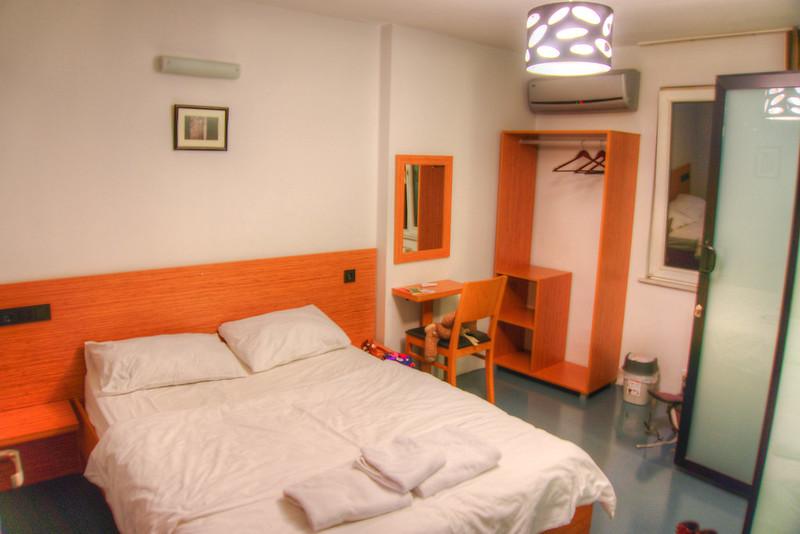 hush_hostel_1