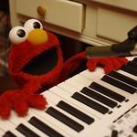 Elmo jams!